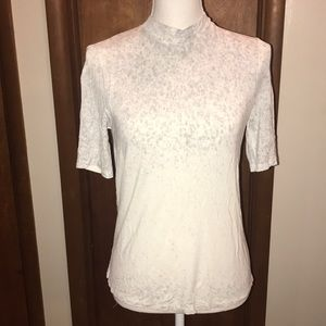 American Eagle gray and white open back shirt